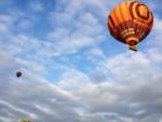 Spectaculaire luchtballon vaart opgestegen op startveld Arnhem op donderdag  4 oktober 2018