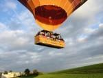 Verbluffende luchtballon vaart opgestegen op startveld Arnhem op donderdag  4 oktober 2018