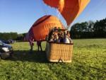 Hoogstaande ballon vaart opgestegen in Beesd maandag  7 mei 2018