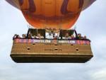 Hoogstaande luchtballon vaart gestart op opstijglocatie Deurne op maandag 8 oktober 2018