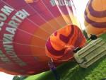 Relaxte luchtballon vaart opgestegen op startlocatie Goirle vrijdag 1 september 2017