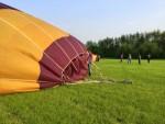 Fascinerende luchtballon vaart opgestegen op startveld Beesd vrijdag 11 mei 2018