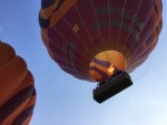 Plezierige luchtballon vaart vanaf startveld Beesd vrijdag 11 mei 2018