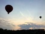 Te gekke luchtballon vaart in de omgeving van Beesd vrijdag 11 mei 2018