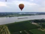 Plezierige ballon vlucht opgestegen in Beesd vrijdag 15 juni 2018
