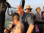 Indrukwekkende luchtballon vaart opgestegen op startveld Eindhoven vrijdag 20 april 2018