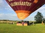 Fantastische luchtballon vaart in de buurt van 's-hertogenbosch vrijdag 27 april 2018