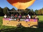 Verbluffende luchtballon vaart startlocatie Oosterhout op vrijdag 5 oktober 2018