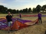 Feestelijke luchtballon vaart opgestegen op startveld Tilburg vrijdag 6 juli 2018