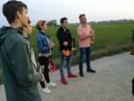 Ongeëvenaarde luchtballon vaart in de buurt van Arnhem op woensdag 17 oktober 2018