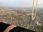 Feestelijke luchtballon vaart startlocatie Arnhem op woensdag 17 oktober 2018