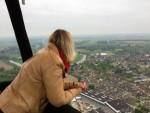 Hoogstaande ballonvlucht opgestegen in Beesd zaterdag 19 mei 2018