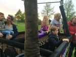 Super heteluchtballonvaart gestart op opstijglocatie Oss zaterdag 28 april 2018